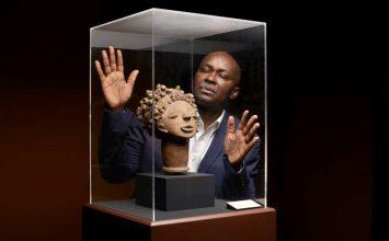 30 ans après, Achille Mbembe parle de son « exil »