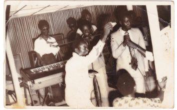Les bars et cabarets dans la musique camerounaise