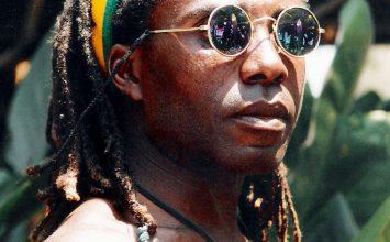 Joe Tongo, Pionnier de la basse Camerounaise